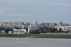 Η άποψη του ποταμού Irtysh διαιρεί την πόλη σε δύο μέρη του Ομσκ Στοκ Εικόνα