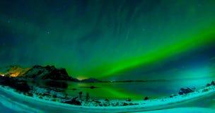 Η άποψη των νησιών Lofoten κατά τη διάρκεια του χειμώνα είναι ένα όνειρο για όλους τους φωτογράφους τοπίων Αυτή τη στιγμή του έτο Στοκ εικόνες με δικαίωμα ελεύθερης χρήσης