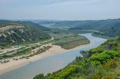 Η άποψη odeceixe-χαλά την παραλία σε Aljezur, Πορτογαλία Στοκ εικόνα με δικαίωμα ελεύθερης χρήσης