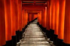 Η λάρνακα Inari Taisha Fushimi Στοκ εικόνα με δικαίωμα ελεύθερης χρήσης