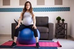 Η άσκηση είναι καλή για την εγκυμοσύνη Στοκ Εικόνες