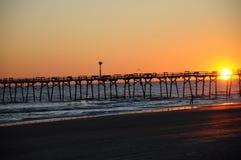 η έκθεση παραλιών αισθάνεται ότι δίνει τα αργά μαλακά κύματα ηλιοβασιλέματος πολύ Στοκ φωτογραφία με δικαίωμα ελεύθερης χρήσης