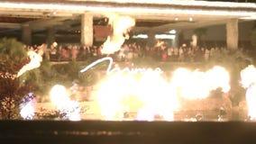 Η έκρηξη ηφαιστείων παρουσιάζει στο ξενοδοχείο αντικατοπτρισμού στο Λας Βέγκας σε CIRCA το 2014 απόθεμα βίντεο
