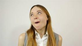 Η έκφραση του προσώπου κοριτσιών ` s παρουσιάζει συγκινήσεις μπροστά από τη κάμερα φιλμ μικρού μήκους