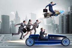 Η έννοια ανταγωνισμού με τον ανταγωνισμό επιχειρηματιών Στοκ Εικόνες