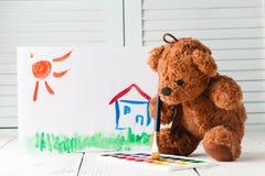 Η έννοια εκπαίδευσης παιδιών, στρόβιλος αντέχει με το βιβλίο Στοκ φωτογραφίες με δικαίωμα ελεύθερης χρήσης
