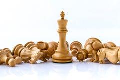 Η έννοια σκακιού σώζει το βασιλιά Στοκ φωτογραφία με δικαίωμα ελεύθερης χρήσης