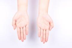 Η έννοια συμβόλων χεριών δάχτυλων ανοίγει την παλάμη του ανελκυστήρα χεριών και έβαλε το χέρι σας επάνω στο άσπρο υπόβαθρο Στοκ Φωτογραφία