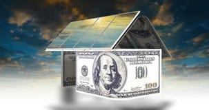 Η έννοια των πηγών εναλλακτικής ενέργειας, ηλιακά πλαίσια στη στέγη του σπιτιού με έναν όμορφο νεφελώδη ουρανό, χρονικές περιτυλί απεικόνιση αποθεμάτων
