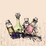 Η έννοια aromatherapy και του μασάζ με τέσσερα μπουκάλια των ess Στοκ Εικόνες