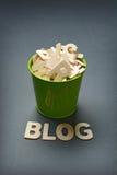 Η λέξη blog με το πράσινο σύνολο κάδων της επιστολής Στοκ Φωτογραφία