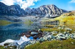 Η λίμνη βουνών Στοκ εικόνα με δικαίωμα ελεύθερης χρήσης