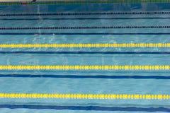Η λίμνη, πισίνα, piscina, piscine, δεξαμενή, σχοινί, σειρά, σπάγγος, χορδή, γραμμή, chorda, που κολυμπά, κολυμπά, κολύμβηση, νερό Στοκ φωτογραφίες με δικαίωμα ελεύθερης χρήσης