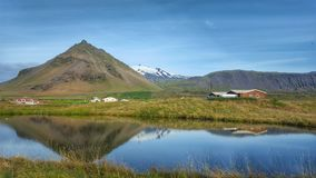 Η λίμνη στη δυτική πλευρά της Ισλανδίας, lceland Στοκ Φωτογραφία