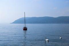 η λίμνη χαλαρώνει Στοκ εικόνες με δικαίωμα ελεύθερης χρήσης