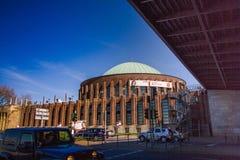Η αίθουσα συναυλιών κοντά στο Ρήνο στο Ντίσελντορφ Στοκ φωτογραφίες με δικαίωμα ελεύθερης χρήσης