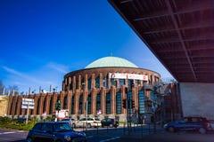 Η αίθουσα συναυλιών κοντά στο Ρήνο στο Ντίσελντορφ Στοκ Φωτογραφία