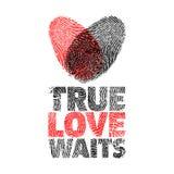 η αγάπη αληθινή περιμένει Δέντρο και καρδιά ελεύθερη απεικόνιση δικαιώματος