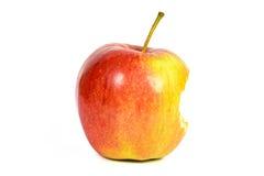 Η δαγκωμένη κόκκινη Apple στο άσπρο υπόβαθρο Στοκ Εικόνα