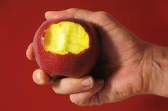 Η δαγκωμένη κόκκινη Apple Στοκ Εικόνες