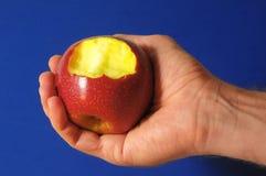 Η δαγκωμένη κόκκινη Apple Στοκ εικόνες με δικαίωμα ελεύθερης χρήσης