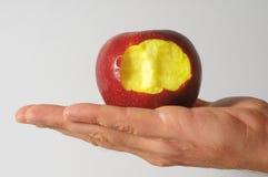Η δαγκωμένη κόκκινη Apple Στοκ εικόνα με δικαίωμα ελεύθερης χρήσης