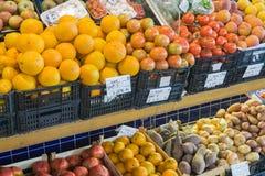 Η αγορά φρούτων στοκ εικόνες