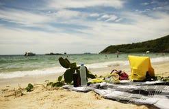 Η ακτή άμμου και νησιών κάνει ηλιοθεραπεία στοκ φωτογραφίες