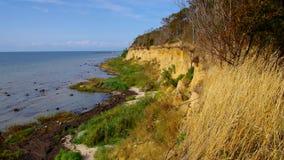 Η ακτή απότομων βράχων στο νησί Poel απόθεμα βίντεο