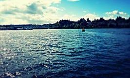 Η λαμπιρίζοντας προκυμαία Στοκ φωτογραφίες με δικαίωμα ελεύθερης χρήσης