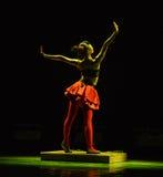 Η αναζοωγόνηση του χορού κούκλα-παιδιών Στοκ Φωτογραφίες
