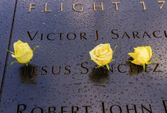 911 η αναμνηστική του Ιησού Names White Roses Νέα Υόρκη Νέα Υόρκη στοκ φωτογραφία