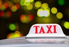 η ανασκόπηση είναι όπως μπορεί να υπογράψει τη χρήση ταξί Στοκ Εικόνες