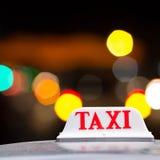 η ανασκόπηση είναι όπως μπορεί να υπογράψει τη χρήση ταξί Στοκ Φωτογραφία