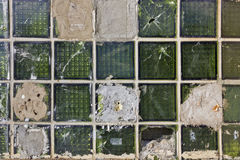 η ανασκόπηση εμποδίζει το σπασμένο γυαλί πράσινο Στοκ Φωτογραφίες
