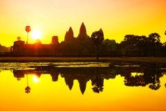 Η ανατολή Wat Angkor σε Siem συγκεντρώνει Στοκ Φωτογραφίες