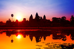 Η ανατολή Wat Angkor σε Siem συγκεντρώνει Στοκ φωτογραφία με δικαίωμα ελεύθερης χρήσης