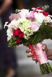 η ανθοδέσμη ανθίζει το γάμ&omi Στοκ Φωτογραφία