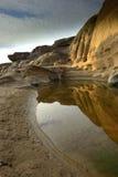 Η αντανάκλαση του βράχου στο Sam Phan Boke σε UBONRATCHATHANI Τ Στοκ Εικόνες