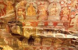 Η ανώμαλη επιφάνεια του ανώτατου ορίου με πολλούς οργανισμούς του Βούδα στη νωπογραφία, 1$ος αιώνας ανασκάπτει Π.Χ. το ναό Στοκ Εικόνες