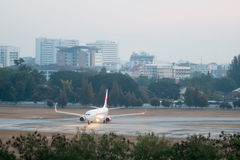 Η απογείωση αεροπλάνων Στοκ φωτογραφία με δικαίωμα ελεύθερης χρήσης