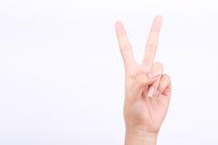 Η απομονωμένη σύμβολα έννοια δύο κοριτσιών χεριών δάχτυλων μάθημα σημείων μαθαίνει το σημάδι διδασκαλίας και νίκης στο άσπρο υπόβ Στοκ Εικόνες