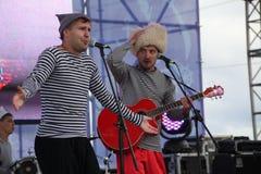 Η απόδοση της ρωσικής συμμορίας Malinovskaya συνόλων ομάδας μουσικής λαϊκής λαϊκής Στοκ Φωτογραφία