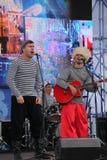 Η απόδοση της ρωσικής συμμορίας Malinovskaya συνόλων ομάδας μουσικής λαϊκής λαϊκής Στοκ εικόνα με δικαίωμα ελεύθερης χρήσης
