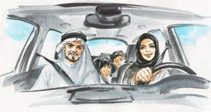 Η αραβική γυναίκα Watercolor οδηγεί ένα αυτοκίνητο 3 οικογενειακά κορίτσια καναπέδων φωτογραφικών μηχανών που φαίνονται πορτοκαλί στοκ φωτογραφίες με δικαίωμα ελεύθερης χρήσης