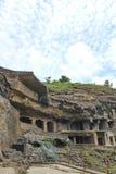 Η αρχαία πέτρα χάρασε τις σπηλιές Ellora, Ινδία Στοκ Φωτογραφίες