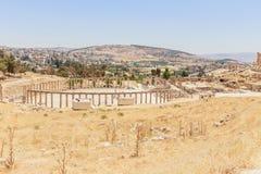Η αρχαία ρωμαϊκή πόλη σε Jerach, Ιορδανία, ωοειδές Plaza, bird's άποψη ματιών Στοκ Εικόνες