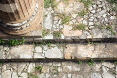 Η αρχαία Ρώμη καταστρέφει τη ρωμαϊκή κινηματογράφηση σε πρώτο πλάνο κλιμακοστάσιων φόρουμ Στοκ φωτογραφία με δικαίωμα ελεύθερης χρήσης