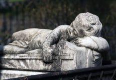 Η αρχαία ταφόπετρα Στοκ εικόνες με δικαίωμα ελεύθερης χρήσης