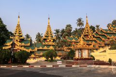 Η αρχιτεκτονική στην παγόδα Shwedagon σε Yangoon Στοκ Εικόνες